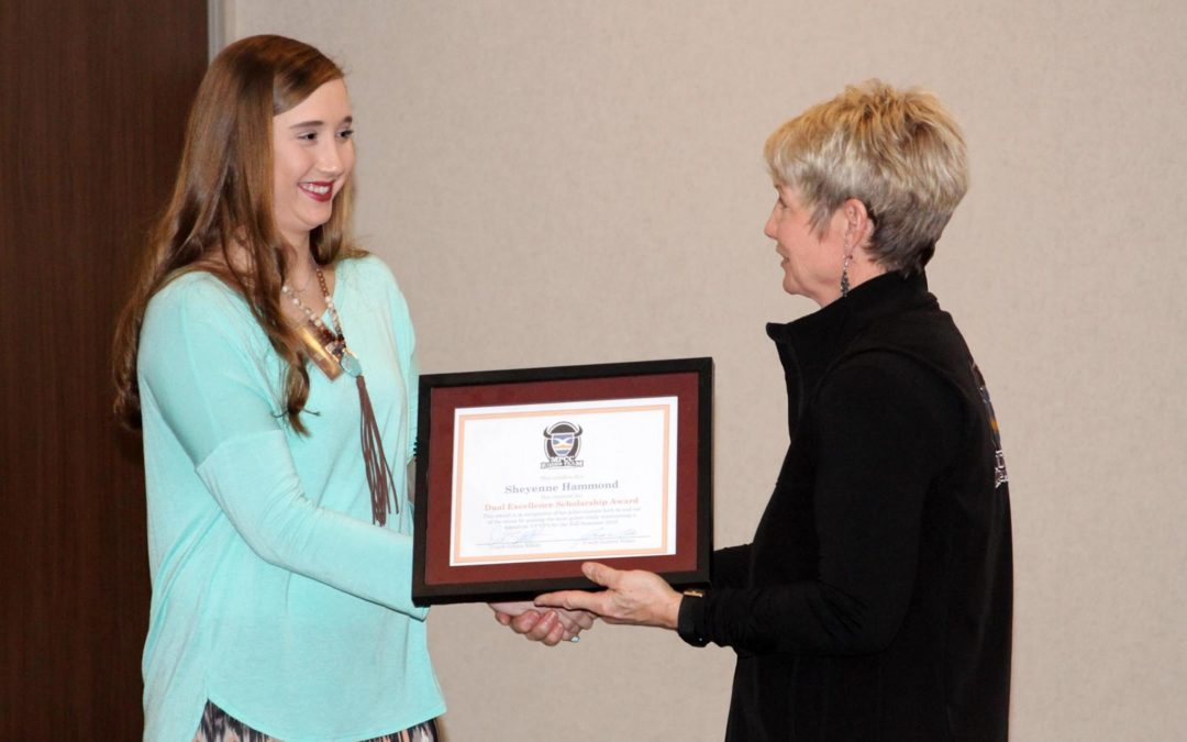 Sheyenne Hammond Receives Scholarship Award