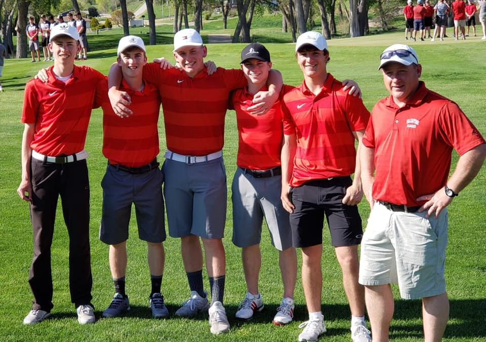 Badger Golf Places 3rd at Districts