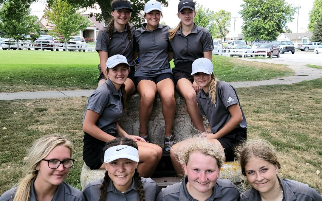 Badger Girls Place 1st at O'Neill Golf Invite